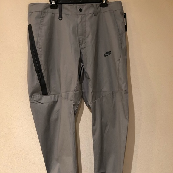 2019 clearance sale popular style quality design NWT Nike Jogger Pants Slim Fit 823363-036 NWT